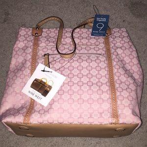 Nine West handbag w 2 pop outs